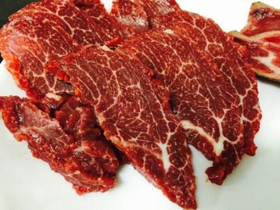 胸を大きくする食材の一つ馬肉